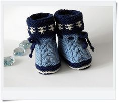 Baby booties knitting. Booties for the baby. Slippers knitted baby. Shoes for babies. Gift for pregnant women. Gift for Christmas.