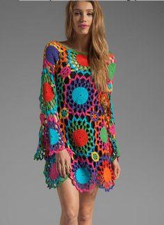 Conectar los motivos a un molde base personalizado usando colores vibrantes para lograr este efecto hippie chic mandalá