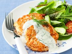 Lohipihvit ja tilli-jogurttikastike - Reseptit Food N, Diy Food, Good Food, Food And Drink, Yummy Food, Fish Recipes, Seafood Recipes, Cooking Recipes, Healthy Recipes