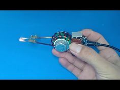 How+to+make+a+small+and+powerful+induction+soldering+iron Deutsch Professionelle Fotografie Heutzuta Electronic Circuit Projects, Electrical Projects, Electronics Projects, Diy Electronics, Electronic Engineering, Soldering Jewelry, Soldering Iron, Spot Welding Machine, How To Make Foam