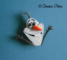 Quilled Cartoon Character - by: Simona Elena Paper Quilling, Cartoon Characters, Personalized Items, Tv, Artist, Artwork, How To Make, Christmas, Cards