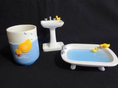 Delicieux This Is An Adorable Bathroom Set....Rubber Ducky Bathroom Set Tub Soap