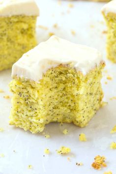 Vegan Lemon Poppy Seed Cake recipe that is moist, fluffy and with a tender crumb! This lemon poppy seed cake is made with no flour and no dairy- It's gluten free, and easily made keto! Breakfast Cake, Low Carb Breakfast, Vegan Breakfast Recipes, Gourmet Recipes, Cake Recipes, Gf Recipes, Healthy Recipes, Biscoff Recipes, Dessert Recipes