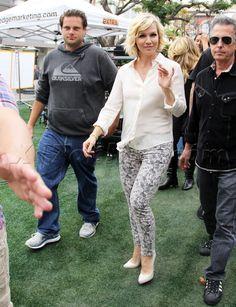 Jennie Garth in patterned skinny jeans by J Brand