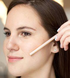 Lo sapevate che... ci sono ben 8 modi per usare lo spazzolino a parte lavarsi i denti :-)? Scoprite questi e moltissimi altri geniali beauty tricks!