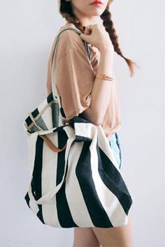 Today's Hot Pick :ストライプ柄コットントートバッグ http://fashionstylep.com/SFSELFAA0025434/stylenandajp/out