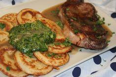 Tapiokovou mouku smícháme s rozšlehanými vejci a teplým olejem a vytvoříme hladkou hmotu. Přidáme jemně strouhaný parmazán, osolíme a přilijeme… Steak, Food, Essen, Steaks, Meals, Yemek, Eten
