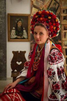 Український народний одяг та вишивка