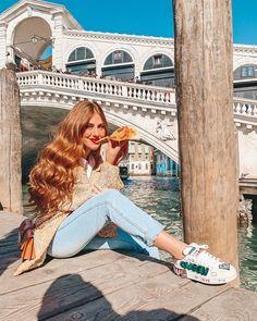 Venice Photography, Tumblr Photography, Winter Photography, Photography Poses, Travel Photography, Mari Maria Makeup, How To Pose, Photo Look, Tumblr Girls