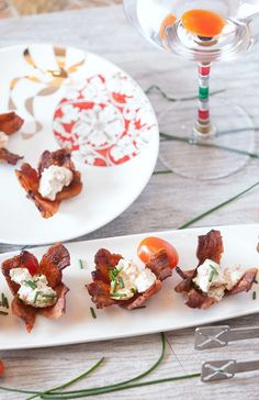 Making this for my next party. Everyone loves bacon. These cups are so cute.