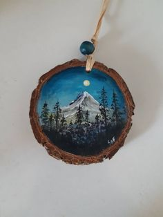 Painted Christmas Ornaments, Decoration Christmas, Wooden Christmas Trees, Hand Painted Ornaments, Wooden Ornaments, Painted Driftwood, Painted Wood, Wood Painting Art, Wood Art