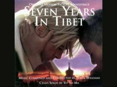 )Heinrich Harrer (Brad Pitt), o mais famoso alpinista austríaco, Egocêntrico e, visando somente a glória pessoal, Heinrich viajou para o outro lado do mundo deixando sua mulher grávida e um casamento em crise. Ele não conseguiu o feito.Com Peter Aufschnaiter (David Thewlis), se tornando os únicos estrangeiros na sagrada cidade de Lhasa, Tibet. Lá a vida de Heinrich mudaria radicalmente, pois no tempo em que passou no Tibet se tornou um pessoa generosa  e confidente do Dalai Lama.