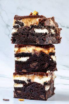 Oreo Brownies - FunkyFood by Niki Cereal Recipes, Easy Cake Recipes, Sweet Recipes, Baking Recipes, Dessert Recipes, Amish Recipes, Dutch Recipes, Oreo Brownies, Oreo Cake