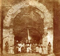 NINEVEH (Iraq) - Archeological excavation in 1853 of the monumental gate of the Assyrian Palace of Khorsabat