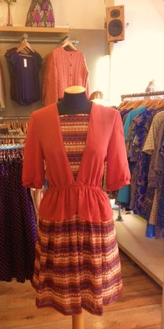 Rust and Aztec Aztec, Rust, Vintage Dresses, Dresses With Sleeves, Long Sleeve, Fashion, Vintage Gowns, Moda, Sleeve Dresses