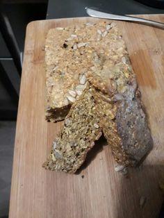 Pan de plátano verde. 2 plátanos verdes, 2 huevos, 2 cucharas de harina de avena. Moler, mezclar, 20 minutos al horno a temperatura media y listo. Se pueden agregar semillas también.