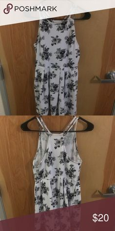 Black and White Floral Dress with Pockets Beautiful, Comfortable, and Unique floral dress with pockets. (Juniors Size) I bought it for my graduation party but I decided to wear something different! Super Cute. SO Dresses Mini