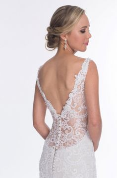 Each wedding gown displayed in the Wedding Dresses, has specific details that can be viewed here :: Ilse Roux Bridal Wear Unique Wedding Gowns, Couture Wedding Gowns, Unique Weddings, Our Wedding, Wedding Dresses, Bridal, Detail, How To Wear, Clothing Apparel