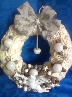 Xmas, Christmas Ornaments, Burlap Wreath, Hanukkah, Wreaths, Crafts, Decor, Holiday Wreaths, Manualidades