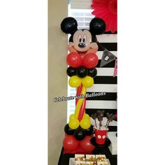 Mickey Mouse Balloon Centerpiece Mickey Mouse Balloons, Mickey Mouse Birthday, Balloon Centerpieces, Birthday Party Themes, Halloween, Decor, Decorating, Inredning, Interior Decorating