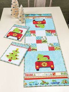 New Quilt Patterns - Fresh Cut Set Quilt Pattern Fresh Christmas Trees, Christmas Themes, Christmas Mug Rugs, Christmas Quilting, Snowman Faces, How To Make Notes, Festival Decorations, Hot Pads, Quilt Patterns