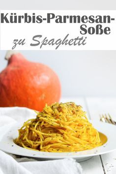 Spaghetti with pumpkin parmesan sauce. - Delicious pumpkin parmesan sauce with spaghetti, seasoned with thyme or marjoram, super yummy, ther - Healthy Salad Recipes, Veggie Recipes, Vegetarian Recipes, Cooking Recipes, Healthy Food, Spaghetti Recipes, Sauce Spaghetti, Thermomix Spaghetti, Healthy Recipes