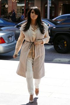 Kim Kardashian's Monochromatic Mommy-to-Be Style: Chic or Snoozy?