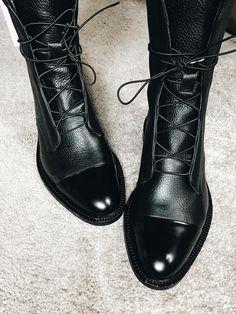 6e782fcf Zapatos Bajos De Moda, Moda Para Damas, Zapatos Planos, Zapatos Bonitos,  Botas