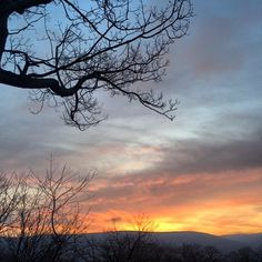 Good morning!  Happy #StPatricksDay! ☘ Hope everyone has a fantastic day! ☘ #sunrise #chasethesun #goodmorning