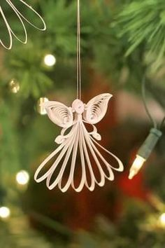 Quilling zu Weihnachten: Engel selber machen aus Papierstreifen von Karen-Marie Klip