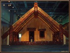 Maori Wharenui (Traditional meeting house) Polynesian People, Maori Art, New Zealand, Carving, Traditional, House Styles, Tourism, Boards, Trees