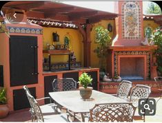 Mexican Patio, Mexican Kitchen Decor, Mexican Home Decor, Mexican Kitchens, Mexican Tiles, Mexican Garden, Mexican Hacienda Decor, Mexican Decorations, Mexican Style Homes