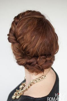 Hair Romance - quick everyday curly hair updo - click through for the full tutorial