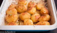 Cartofi rumeni la cuptor - Perfect rost potatoes What To Cook, Potatoes, Vegetables, Cooking, Cake, Food, Kitchen, Vegetable Recipes, Food Cakes
