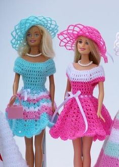Beautiful doll clothes easy to crochet yourself with the swing series you can combine and make the most diverse models dresses hats and bags for your children and grandchildren so every barbie steffi petra susi sabine gets her very ownRésultat d'images Crochet Barbie Patterns, Crochet Doll Dress, Crochet Doll Clothes, Doll Patterns, Sewing Barbie Clothes, Barbie Clothes Patterns, Clothing Patterns, Accessoires Barbie, Barbie Dress