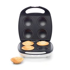 Prepare delicious pies effortlessly with this pie maker featuring a non-stick cooking plate. With a compact design, this mini pie maker is easy to use and store. Beignets, Nutella Go, Snow Cake, Chocolate Custard, Chocolate Tarts, Custard Powder, Pastry Shells, Breakfast Cups, Sweet Pastries