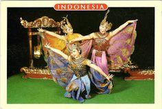 INDONESIA (Java) - The peacock dance (Tari Merak) in West Java