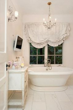 Check Out 25 Lovely Shabby Chic Bathroom Design Ideas. Shabby chic bathrooms are so cute that when you see them, you just can't get enough! Baños Shabby Chic, Shabby Chic Interiors, Shabby Chic Bedrooms, Shabby Chic Kitchen, Shabby Chic Furniture, Modern Furniture, Chabby Chic, Shabby Cottage, Interiores Shabby Chic