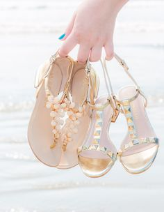 944e073fa La Petite Marie - A primeira loja virtual do Brasil especializada em moda  para mulheres baixinhas. Sapatos SandáliasSapatos LindosChinelosSandalia ...