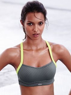 Angel by victoria's secret sport bra - vs sport - hands down the best sports bras for bigger boobs! Vs Sport, Sport Wear, Sport Girl, Athletic Outfits, Athletic Wear, Sport Outfits, Sport Fitness, Moda Fitness, Fitness Wear
