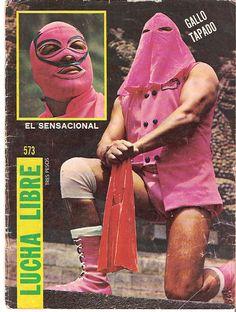 Gallo Tapado, nombre real Rosalio Hernández Márquez, debuto en 1962, su padre el Caballero Tigre de ahi que su primer nombre fuera Caballero Tigre II, por ahi del 72 cambio su nombre al de Gallo Tapado, fue desenmascarado por Fuerza Guerrera el 8 de marzo del 91en la Arena México.
