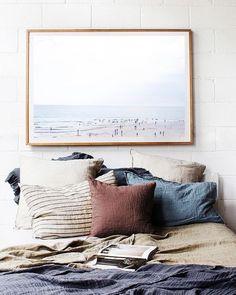 Hmmmm... Nada como uma cama DELÍCIA e cheia de travesseiros para uma boa noite de sono!