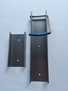 Soporte de pared para bicicleta en acero inoxidable. Venta posible por privado