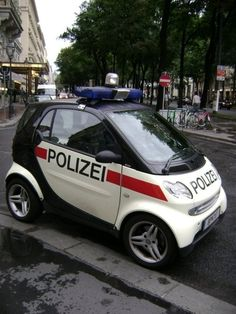Another smart police car