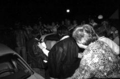 1977 2 13  Elvis Heading to the Auditorium, West Palm Beach, Florida.