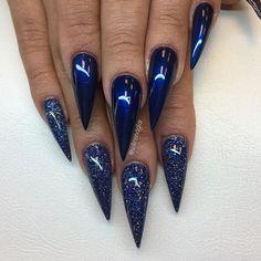 """Midnight Blue"" med Rock Glitter Gel ""Golden Sapphire""👌🏼från #lillynails Green Nails, Blue Nails, Blue Med, Glitter Gel, Nagel Gel, Beauty Nails, Pretty Nails, Nail Colors, Acrylic Nails"