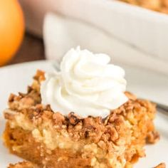 Apple Dump Cake is a recipe that results in a delicious fall dessert that's a cross between apple cake and apple crisp! Pumpkin Crumble Cake, Best Pumpkin Pie, Pumpkin Custard, Pumpkin Pie Recipes, Cookie Recipes, Dessert Recipes, Spiced Pumpkin, Apple Dump Cakes, Apple Cake