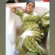 68 Ideas For Cars Photography Women Indian Actress Hot Pics, Most Beautiful Indian Actress, Indian Actresses, Shrenu Parikh, Saree Jewellery, Sari Blouse Designs, Saree Models, Saree Dress, Saree Blouse