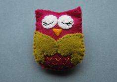 OWL  Felt Pin Brooch Free Shipping by magicforesttoys on Etsy, €10.00