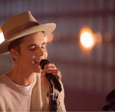 Justin Bieber: When I'm here nothing matters all problems are out the window Justin Bieber Images, Justin Bieber News, Justin Bieber Wallpaper, I Love Justin Bieber, Justin Bieber Birthday, Justin Baby, Ariana Grande Fotos, Country Music Artists, Celebs